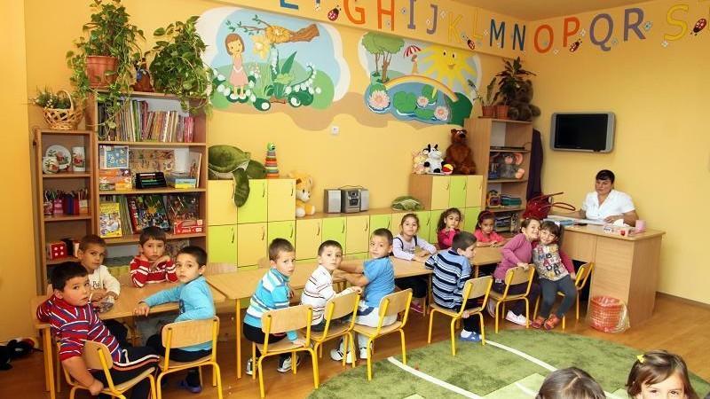 Părinții pot să-și înscrie copiii la grădinițe online. Acestea vor fi obligate să publice sistematic numărul locurilor libere