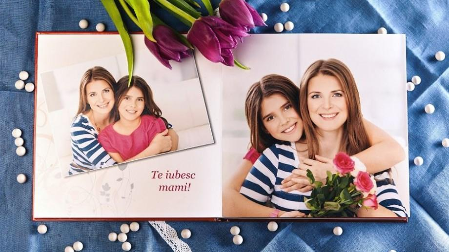 (foto) Dăruiește amintiri! Fotocartea, un cadou special pentru femeile din viața ta