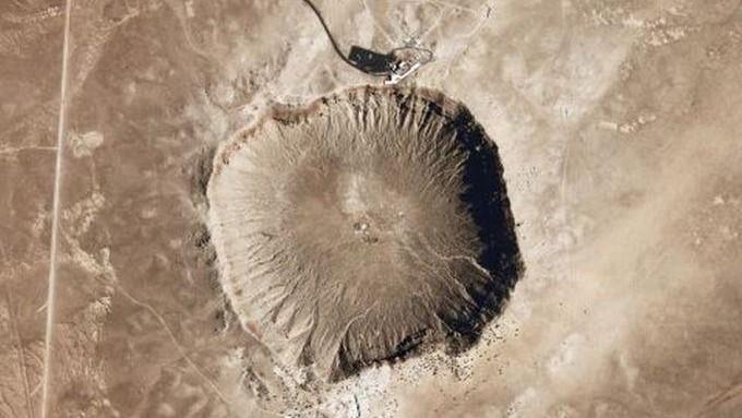 (foto) Preț record pentru un meteorit de 4 miliarde de ani. Are un aspect și o compoziție unică