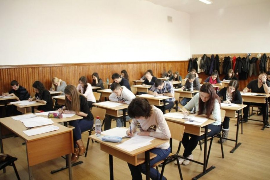 (chestionar) Cu ce probleme se confruntă zilnic elevii? Participă la identificarea acestora, pentru a îmbunătăți situația din școli