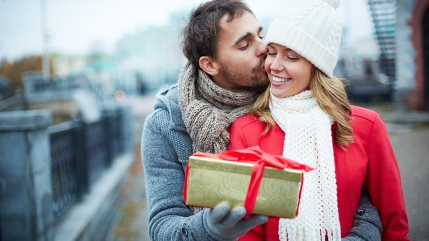 12 curiozităţi despre Valentine's Day. Când a fost sărbătorită pentru prima dată și de ce în Evul Mediu fetele consumau alimente bizare în această zi