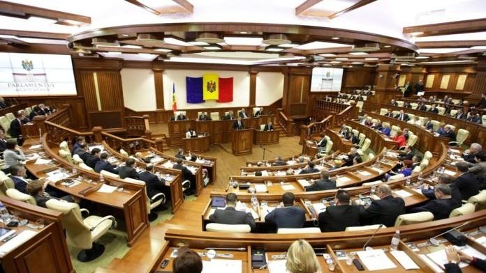 """(video) Discuții în Parlament referitoare la invalidarea alegerilor din Chișinău. Candu: """"Noi l-am fi vrut pe Năstase la Primărie și să-l arătăm cu degetul"""""""