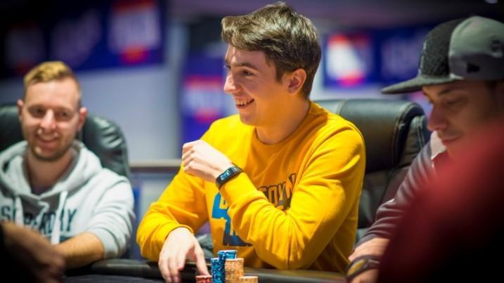 (foto, video) Un tânăr din Moldova a câștigat 750 000 de euro la un eveniment major de poker în Europa