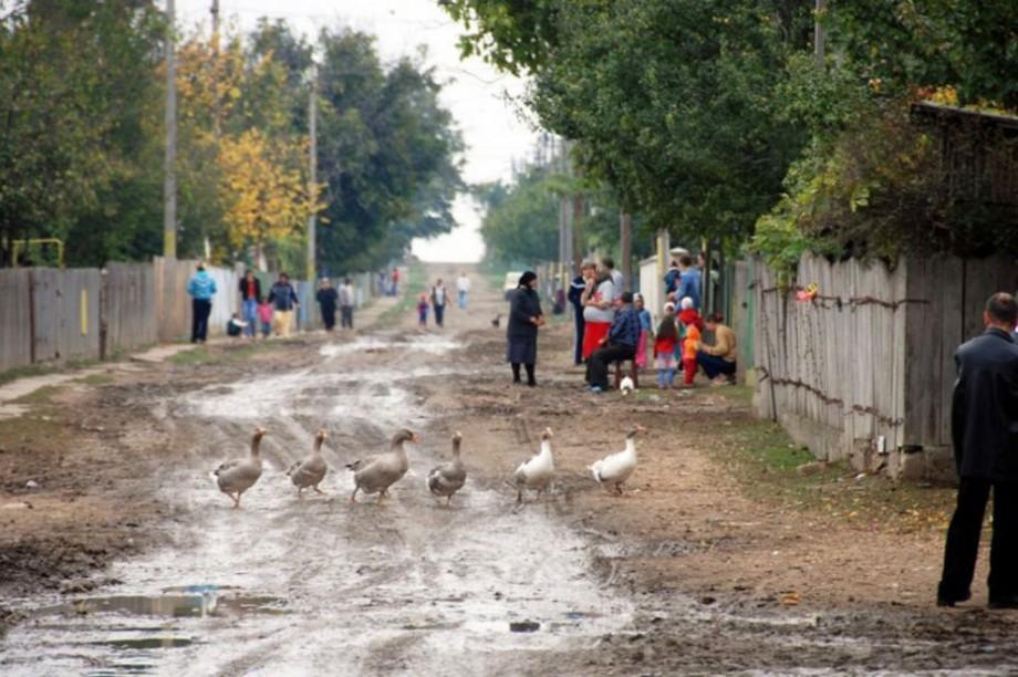 (sondaj) Pensiile, corupția și șomajul. Cele mai mari probleme cu care se confruntă moldoveni