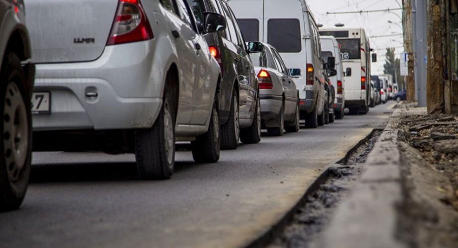 Flux majorat de transport în Chișinău. Care sunt străzile unde se circulă cu dificultate