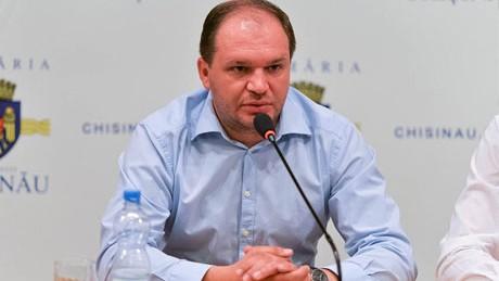 Ion Ceban a depus actele pentru a fi înregistrat în cursa electorală pentru funcția de primar general al Capitalei
