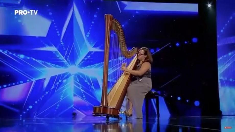 (video) Harpista din Chișinău, Tatiana Podoleac, a făcut un spectacol inedit pe scena Românii au Talent. Prestația ei a fost apreciată de jurați