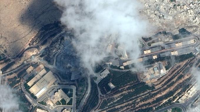 Imagini din satelit. Cum arată clădirile din Siria atacate de SUA, Marea Britanie și Franta, înainte și după bombardament