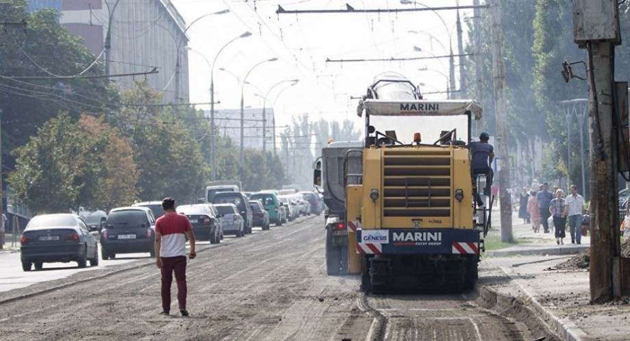 Traficul rutier pe șase străzi importante din Chișinău va suspendat temporar. Unde vor avea loc lucrările de reparaţie