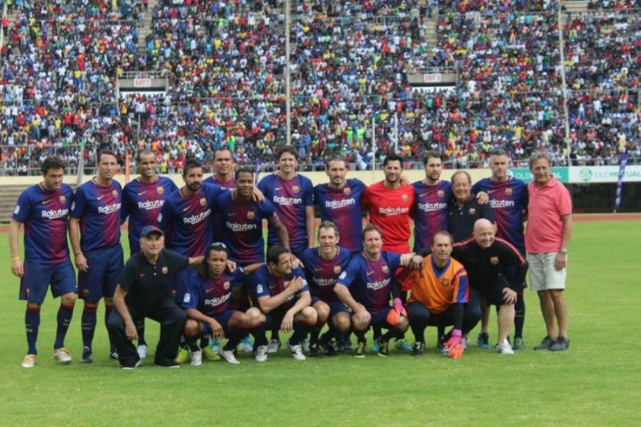 Abidal, Edmilson, Anderson și Puyol vin în România. Unde poți vedea legendele Barcelonei și cât costă biletele