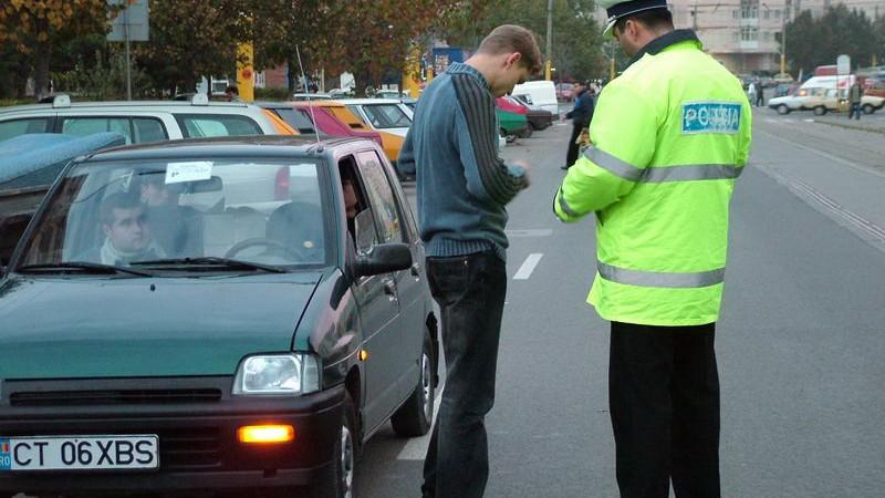 (doc) Șoferii prinși băuți la volan ar putea fi obligați să susțină examene pentru a recupera permisul de conducere