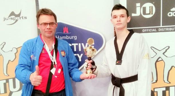 La doar 18 ani a adus o victorie istorică Moldovei la taekwondo. Serghei Uscov a devenit campion la turneul German Open