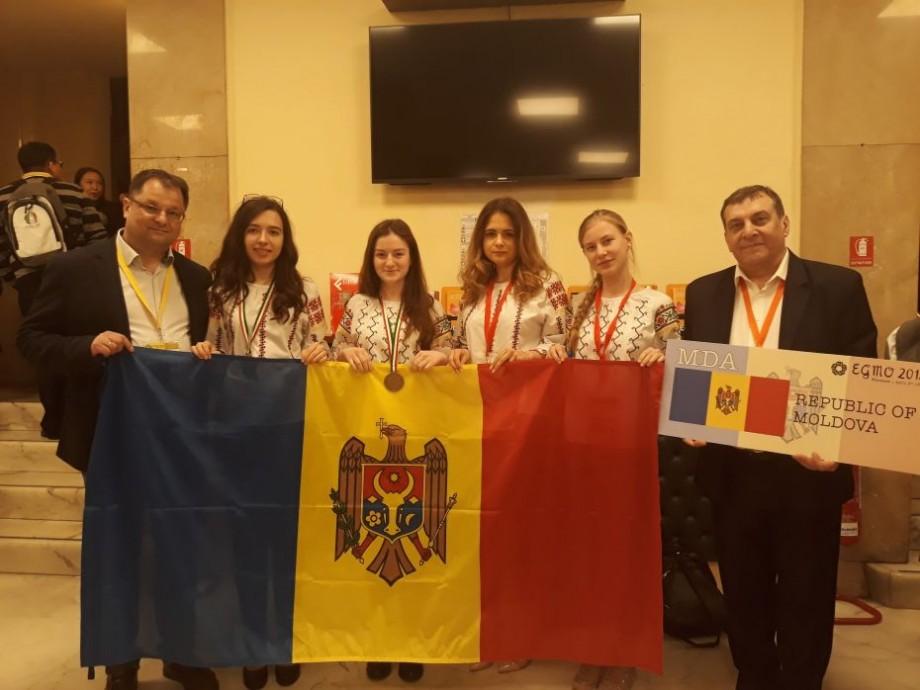 Moldova a obținut două medalii și o mențiune de onoare la Olimpiada Europeană de Matematică pentru Fete