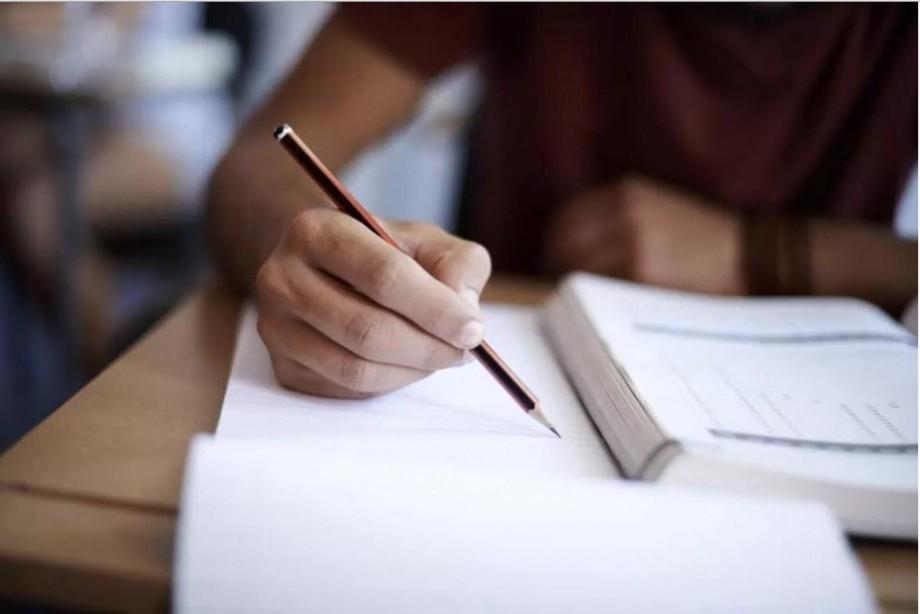 BAC 2018: Ce au avut de rezolvat elevii la pretestări și care sunt baremele de corectare
