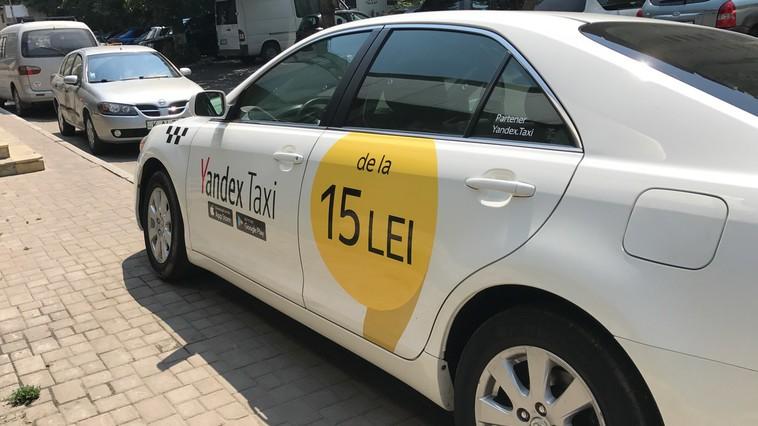 Utilizatorii serviciilor Yandex.Taxi vor putea achita călătoria cu cardul bancar