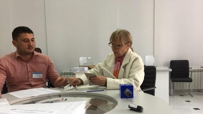 Maia Laguta vrea să candideze pentru primăria Chișinău. Aceasta a mers astăzi la CEC