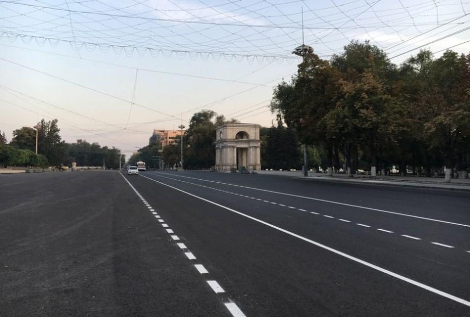 """Din acest an străzile din Chișinău vor avea un alt tip de marcaj rutier. """"Mai durabil"""" – explică autoritățile"""