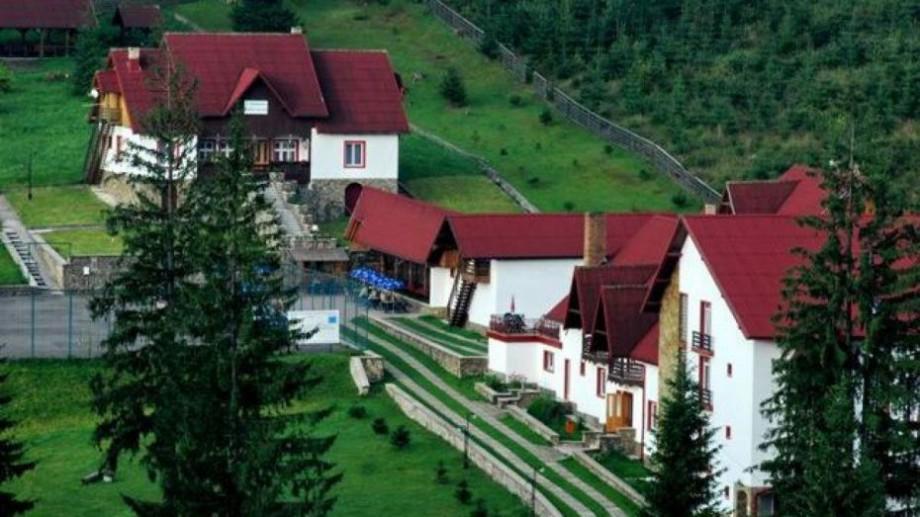 Pensiune în Carpați achiziționată pe bani de bugetară. Cumnata președintei raionului Rezina și-a cumpărat o vilă în inima munților