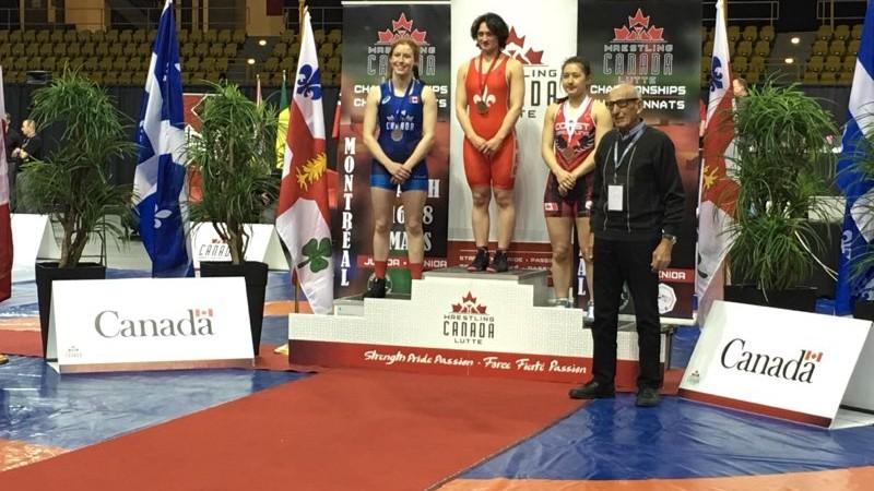 (foto) O sportivă moldoveancă a devenit campioană la lupte feminine în Canada. A reușit să câștige toate cele 5 lupte