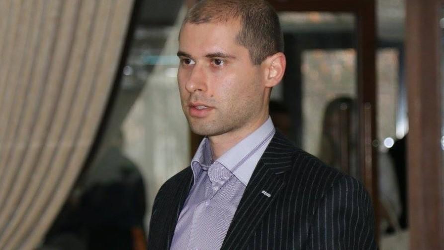 Alegeri Locale: Semnături pentru candidatul independent – Sergiu Tofilat își așteaptă susținătorii în fața magazinului Gemenii