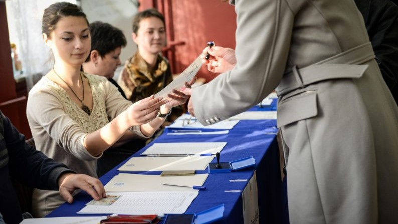 CEC a constituit 5 consilii electorale de circumscripție de nivelul întîi