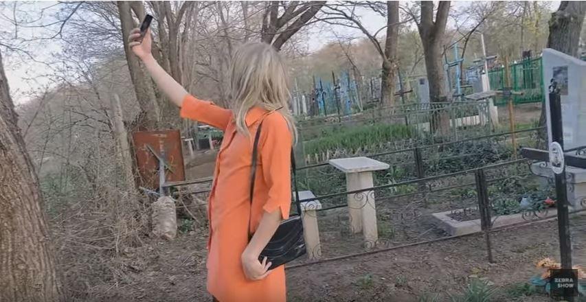 (video) Băieții de la Comedy Zebra Show vin cu o nouă parodie. Cum arată Paștele Blajinilor în satele din Moldova