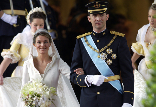 MADRID, SPAIN - MAY 22: Crown Prince Felipe Of Spain, Prince Of The Asturias, With His Bride Crown Princess Letizia After Their Wedding And Their Bridesmaids (Photo by Tim Graham/Getty Images)