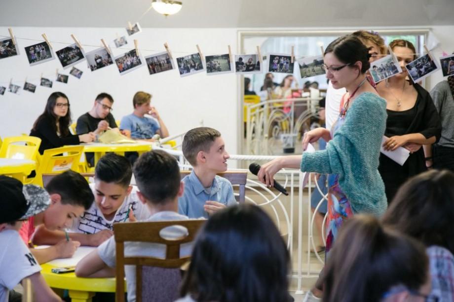 """Ai între 11 și 17 ani? Participă la proiectul """"Izvoarele toleranței, Moldova-2018"""" și petrece vara într-un mod activ"""
