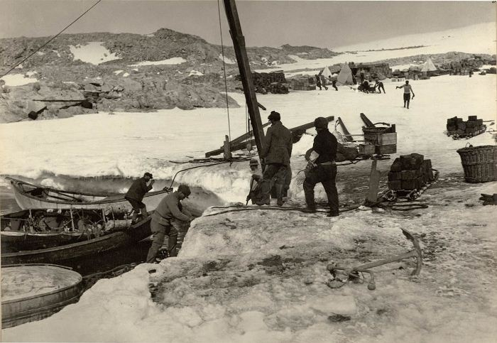 Australasian-Antartic-Expedition-16