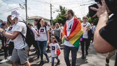(video) Moldova Are Talent: Iana Suvorcova – fetița care pictează cu gura