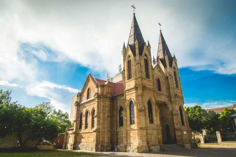 biserica-romano-catolica-din-Orhei-foto-Alexandru-Panis