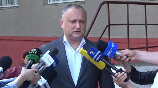 """(video) Președintele țării, Igor Dodon și-a exprimat votul. """"Am votat pentru un primar care comparativ cu ceilalți este cel mai bun"""""""