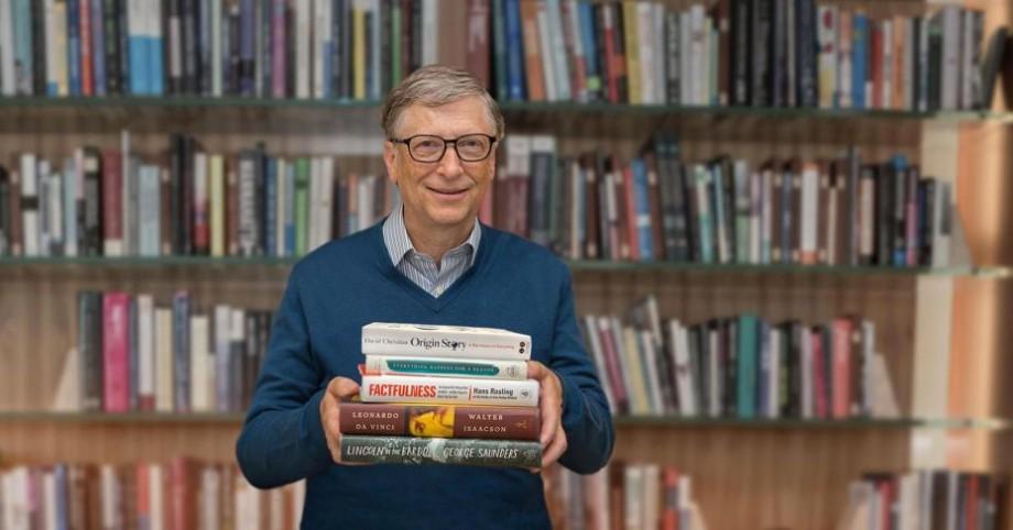 (video) Recomandări de la Bill Gates. Cinci cărți pe care merită să le citești în această vară