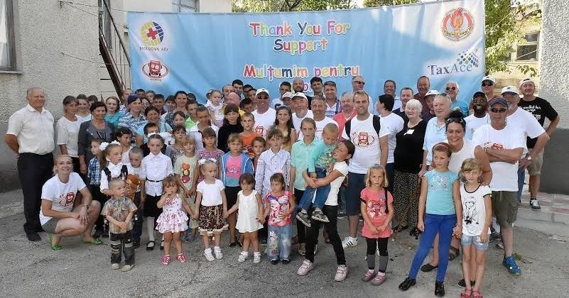 Opt camioane cu ajutoare umanitare din Marea Britanie au sosit în Republica Moldova. Acestea sunt destinate copiilor