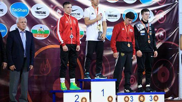 Luptătorii moldoveni au cucerit 2 medalii la Campionatul European printre cadeți. Cu cine au luptat aceștia