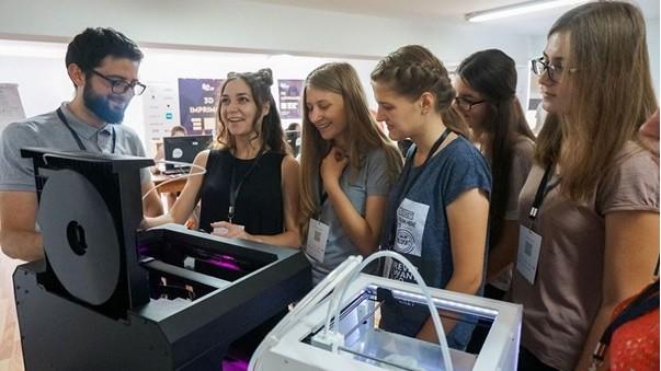 Ești pasionată de tehnologiile moderne?Vino la Tabăra de Vară STEM GirlsGoIT 2018 și descoperă domeniul IT