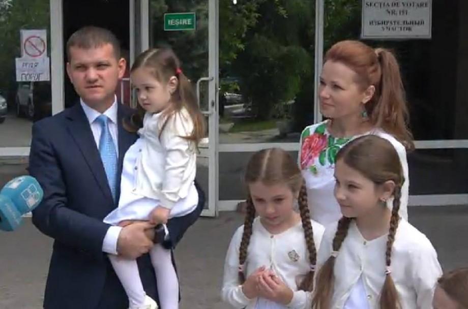 """(video) Alegeri locale 2018. Valeriu Munteanu: """"Cu siguranță va fi turul doi"""""""