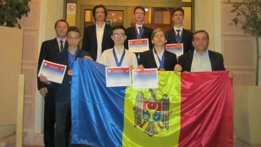Elevii din Moldova au obținut cinci medalii de bronz și o mențiune la Olimpiada Balcanică de matematică din Belgrad