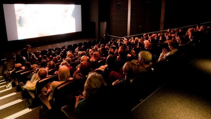 (foto) Centenarul Filmului Românesc la Roman, Moinești și Onești. Cum a decurs evenimentul