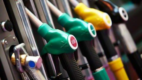 Ministerul Economiei solicită anularea ordinului ANRE de majorare a prețurilor la carburanți