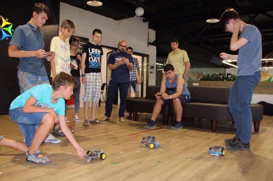 Tinerii interesați de dezvoltarea sistemelor embedded pot participa gratuit la o școală de vară la Chișinău