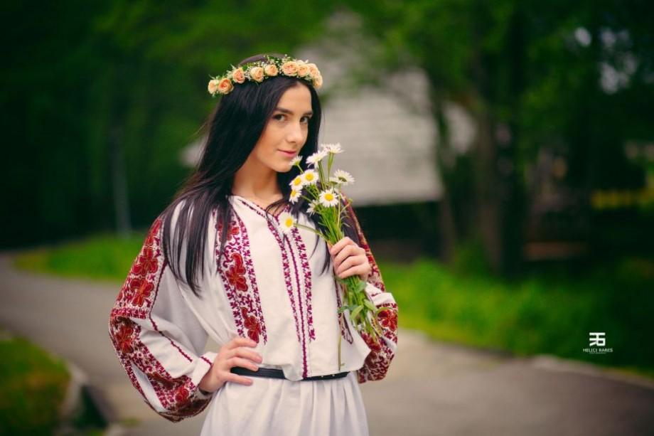 """Costume autentice românești, tradiție și simboluri. La Chișinău se va desfășura """"Ziua portului popular"""""""