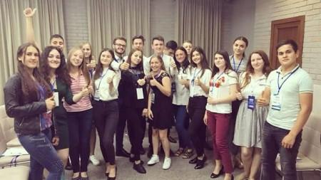Ești tânăr activ, creativ și curajos? Rețeaua Națională a Consiliilor Locale ale Tinerilor din Moldova te angajează
