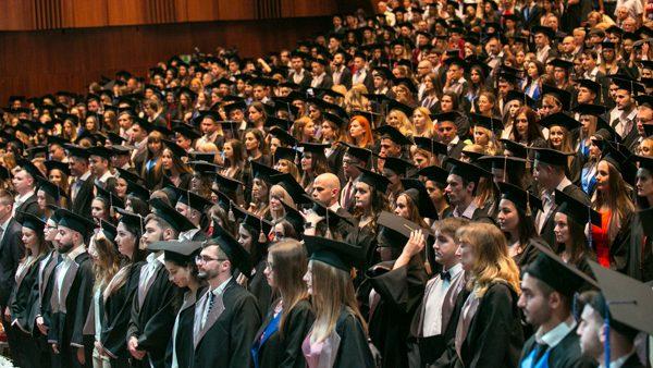 Aproximativ 300 de studenți internaționali care și-au făcut studiile la USMF au depus jurământul de medic