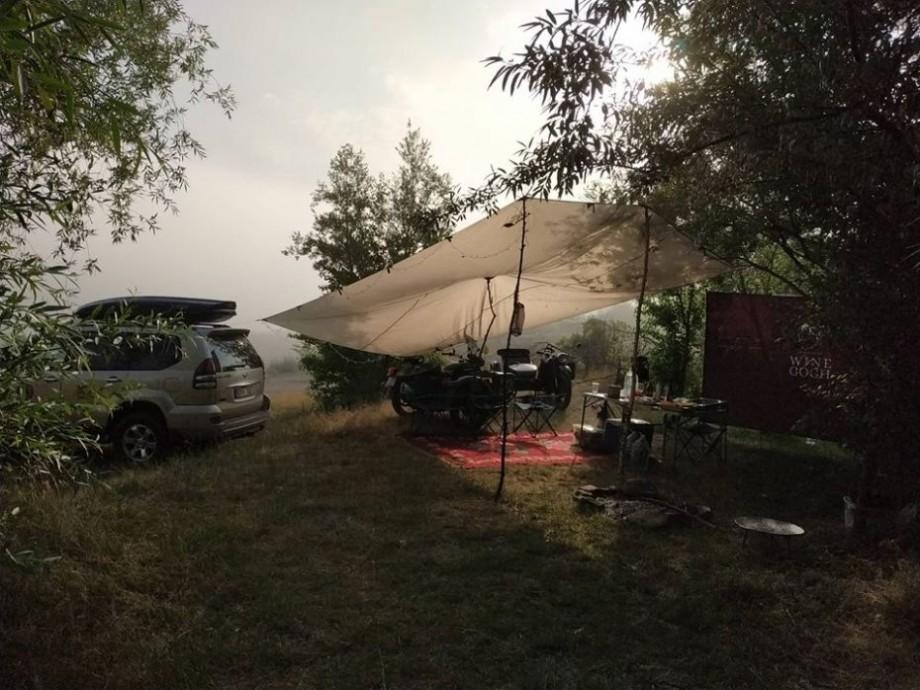 (foto) Au ajuns pe 3 roți la extrema Naslavcea. Cum a decurs a doua zi a turului pe motociclete URAL