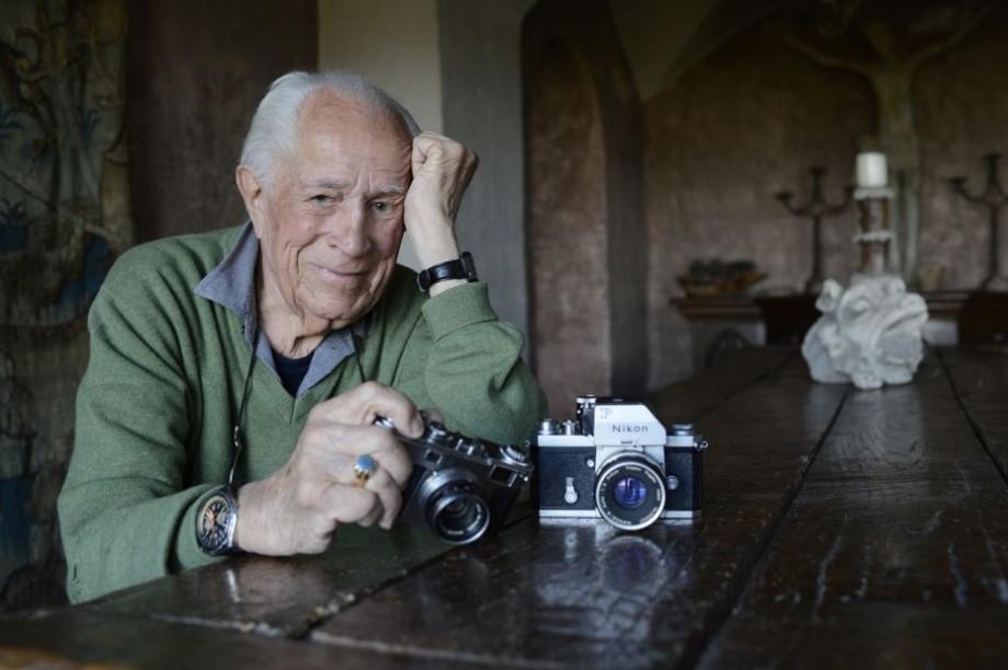 Celebrul fotograf american David Douglas Duncan s-a stins din viață la vârsta de 102 de ani