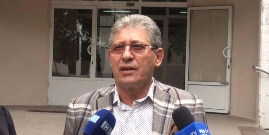 """(video) Președintele Partidului Liberal, Mihai Ghimpu, și-a exercitat dreptul la vot: """"Un primar trebuie să fie ca Dorin Chirtoacă"""""""