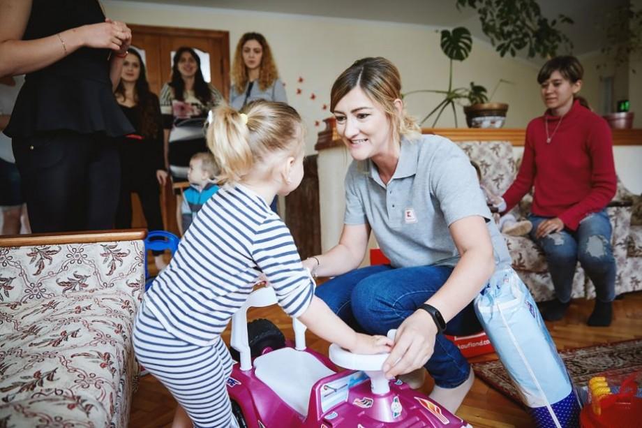 """(foto, video) """"Vreau să fie fericit"""". Mesajele emoționante ale mamelor de la Centrul Maternal din Anenii Noi de Ziua Copilului"""