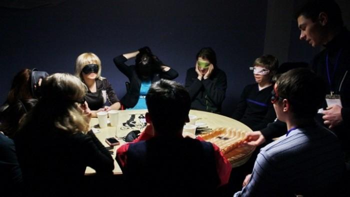 """Debate Academy te invită la jocul psihologic """"Mafia"""". Cum te poți înregistra la eveniment"""
