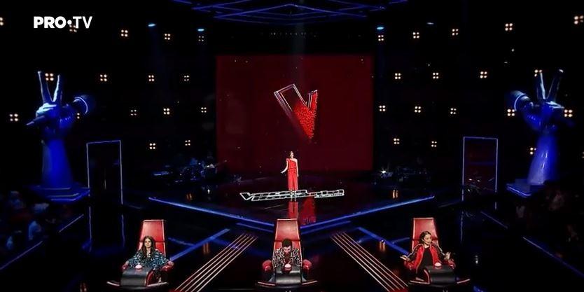 """(video) """"Arăți radiant în seara asta"""" O adolescentă de 13 ani din Chișinău a trecut de audițiile pe nevăzute la Vocea României Junior"""